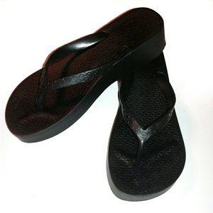IPANEMA Black Tropical Platform Sandals size 6